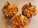 Pumpkin-Cupcakes-with-Sprinkles