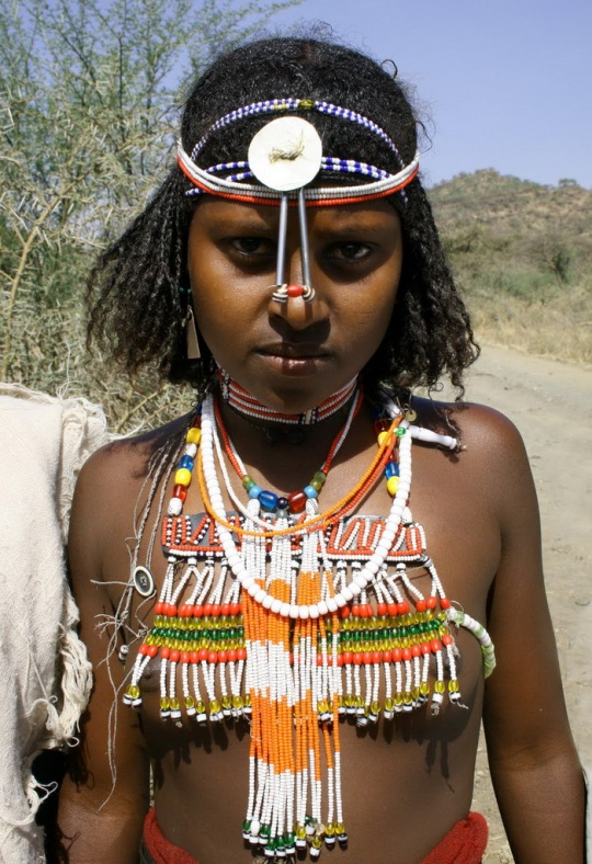 afar tribe girl (1)