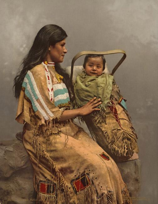 Chippewa,_Woman_and_Infant,_(1900)