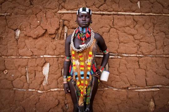 hamer-girl-turmi-ethiopia-tribe-omo-valley-africa-canon-40d-pascal-mannaerts