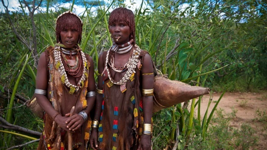 lets-travel-to-ethiopia-with-miro-may-turmi-karo-tribe