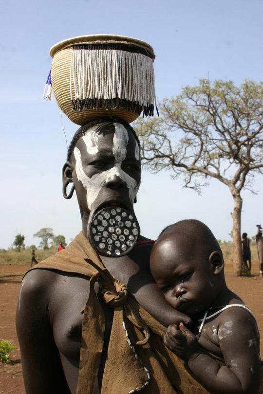 mursi-tribe-ethiopia-11