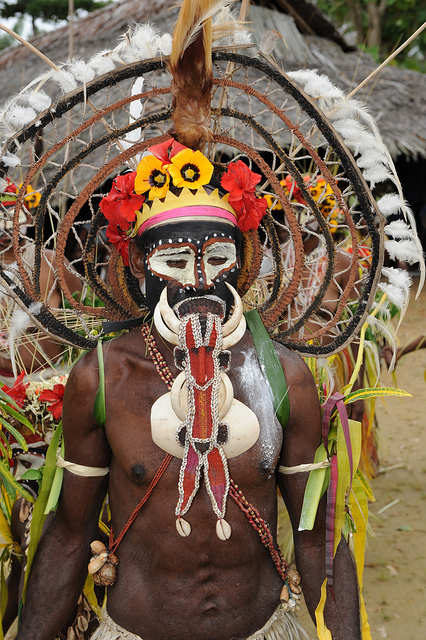 papouasie tribe - new guinea