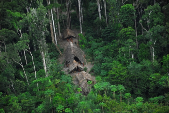 uncontacted-tribe-picture-2