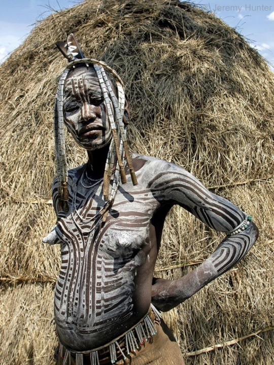 woman_of_mursi_tribe_omo_valley_ethiopia