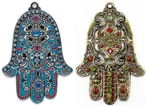 The-Wall-Hamsa-by-Jewish-artist-and-jewelry-designer-Michal-Golan-5