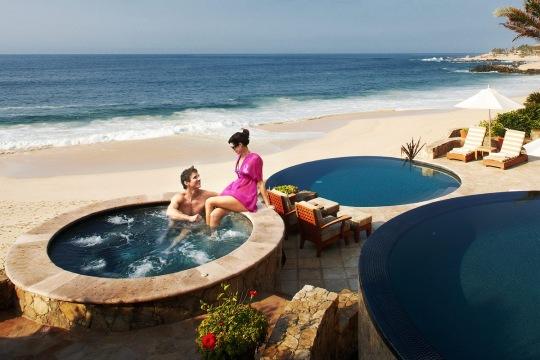palimlla_del_mar_couple_pool